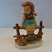 "Vintage Goebel Hummel Figurine ""JUST RESTING"" W. Germany MINT"