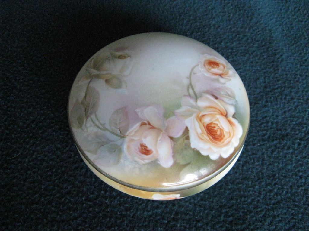 RS Germany Porcelain Puff Box