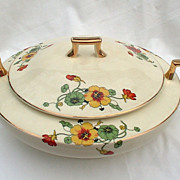 Homer Laughlin Nasturtium K8904B Round Covered Vegetable Kwaker