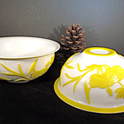Peking Glass Yellow and White Bowl with Crane