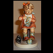 Hummell Figurine Mother's Helper  133  Girl with Cat