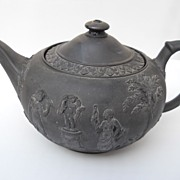 REDUCED Antique Wedgwood Black Basalt teapot, circa 1759 - 1859