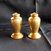 Salt & Pepper Shaker decorated by The Wheeling Decorating Company in 22Kt gold