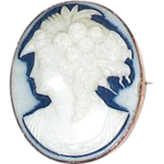 Oval Cameo of Goddess Flora, Brooch or Pendant; 9 karat gold frame