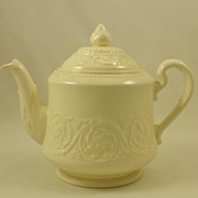 Wedgwood Patrician - Plain  (Old) Tea Pot & Lid