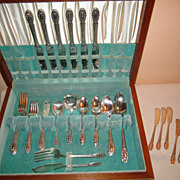 Beautiful elegant Wallace &quot;Southgate&quot; silverplate  flatware with case