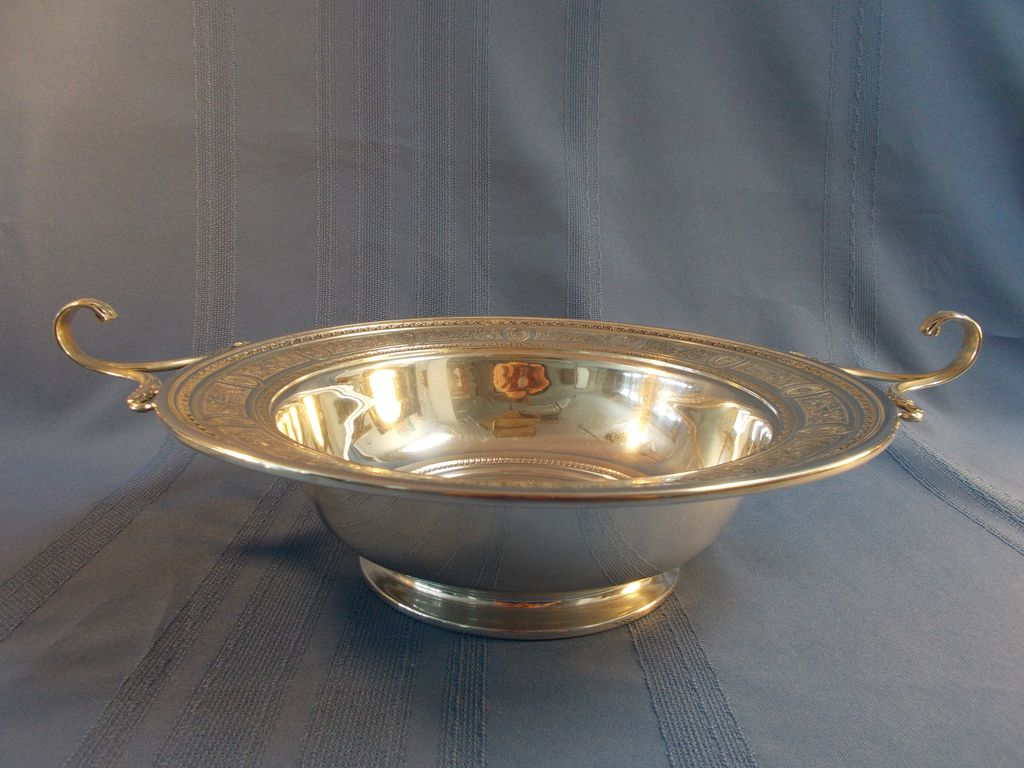 International Silver Wedgwood Round Footed Sterling Centerpiece V50A