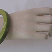 Vintage Olive Green Bakelite Bangle Bracelet