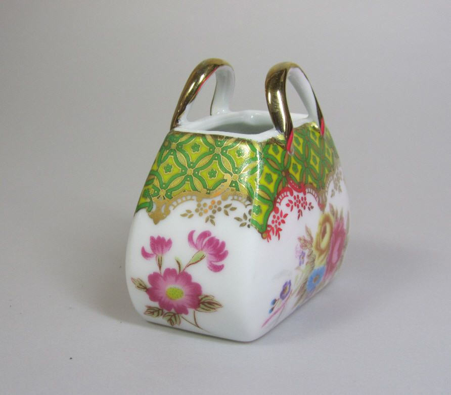 LIMOGES Large Porcelain Bag Paint Main Hand Painted Trinket Box