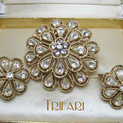 Crown Trifari Rhinestone Gold Tone Starburst Brooch and Earring Demi Set
