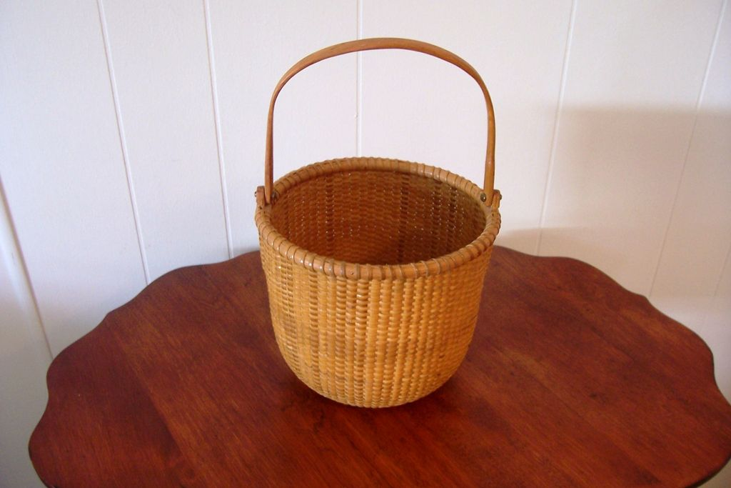 Nantucket Basket, Signed, Swing Handle