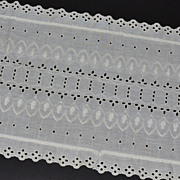 SALE Embroidered Eyelet 29&quot; Linen Fabric Runner