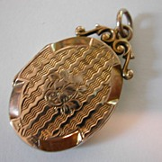 ENGLISH Edwardian gold Locket