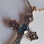 SALE Contemporary Cross With Crystal Clear Aqua-AquaMarine Bluish-Green Cabochon ~~ 14 KT Gold