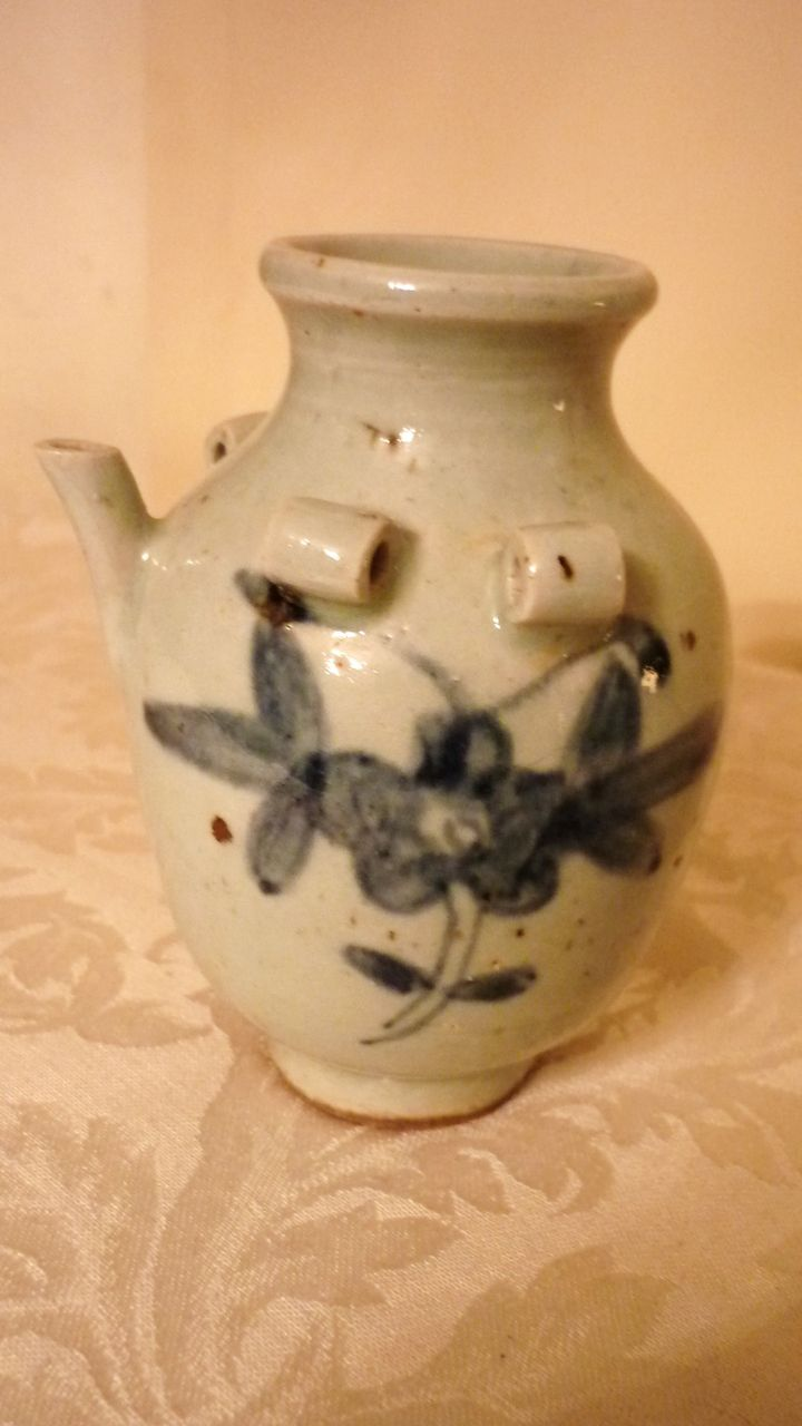 Chinese Water Dropper, Blue & White, Early Qing Dynasty
