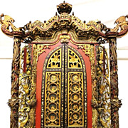 Magnificent Chinese Carved Wood Cabinet, Qing Dynasty