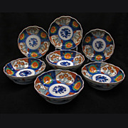 Set of 6 matching Japanese 19th century porcelain Imari bowls
