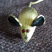 Gold Tone Mouse Pin
