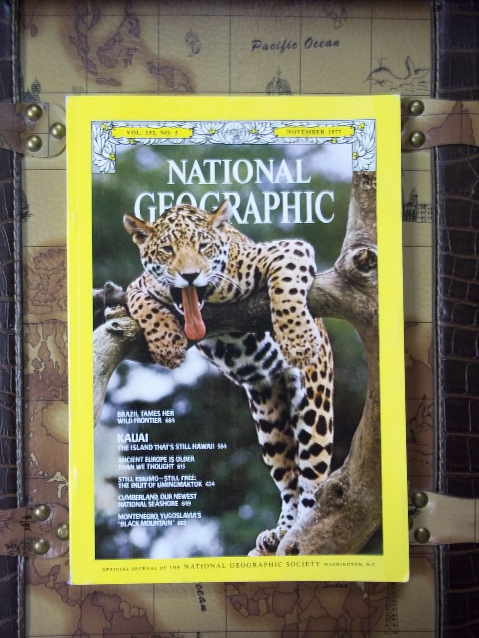 Vintage National Geographic Vol. 152, No. 5, November 1977