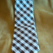 Royal Knight Brown and White Cross Hatch Diamond Tie