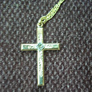 10 K Gold Cross Pendant With Diamond