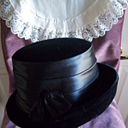 SOLD Gorgeous Ladies Vintage Black Velvet Hat