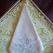 Vintage Embroidered White Handkerchief / Hankie