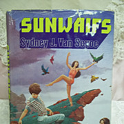 Sunwaifs, Sydney J. Van Seyoc, Berkley Books 1981 HC-DJ