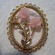 SALE Adorable Vintage dce Gold & Coral Brooch