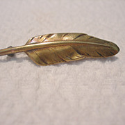 Very old Small Gold toned Leaf Brooch