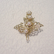 Vintage Gold Tone and Imitation Pearl Leaf Brooch
