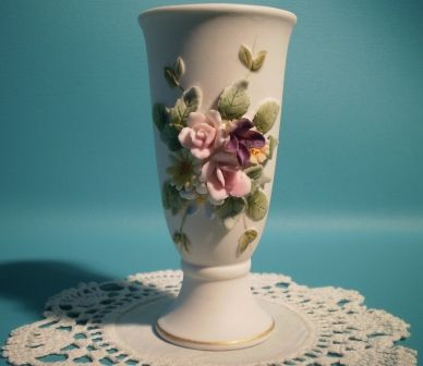 Lefton Porcelain Bisque Vase Small