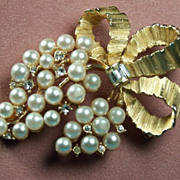 Lisner Vintage Grape Style Brooch w/Rhinestones