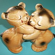 VanTellingen Brown Bear Snuggle Hugger Salt & Pepper Shakers