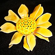 Fun Yellow Sunflower Pin and Earring Set