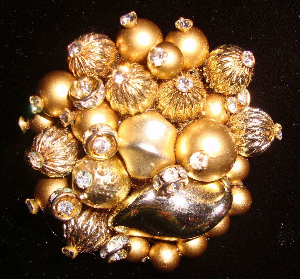 Bright & Pretty Vendome Pin in Goldtones & Rhinestones