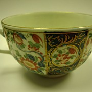 "Dr. Wall 1st Period Worcester Tea Cup ""Rich Queen"" Pattern; circa 1768"