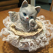 Animated Musical Kitten in Wicker Basket It's a Small World