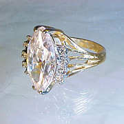 Estate 18K GOLD 3.5 Ct. MARQUISE CUT CUBIC ZIRCONIA Cocktail Dinner Ring 8 Brilliant Round Cut