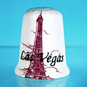 Fine Bone China Eiffel Tower LAS VEGAS Thimble FIELDER KEEPSAKES / Made in England
