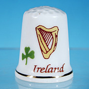 Vintage IRELAND Souvenir Thimble LIFFEY ARTEFACTS - Harp & Shamrock