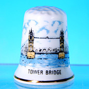 Vintage Porcelain Souvenir Thimble TOWER BRIDGE Made in Britain