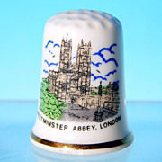 Vintage Porcelain Souvenir Thimble WESTMINSTER ABBEY, LONDON Made in Britain