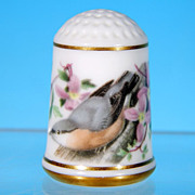 Limited Edition Porcelain Thimble NUTHATCH / Franklin Porcelain / GARDEN BIRDS / Peter Barrett