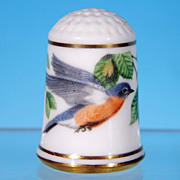 Limited Edition Porcelain Thimble EASTERN BLUEBIRD / Franklin Porcelain / GARDEN BIRDS / Peter