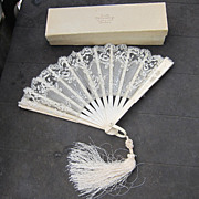 Delicate fan of celluloid and lacy gauze circa 1890 - 1910: original box!