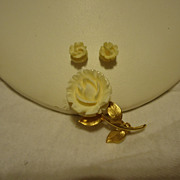 Fantastic 3 Piece 14k Yellow Gold Carved Bone Flower Brooch & Earring Set
