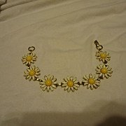 "Beautiful Weiss Signed Enamel Daisy 7.6"" Bracelet"