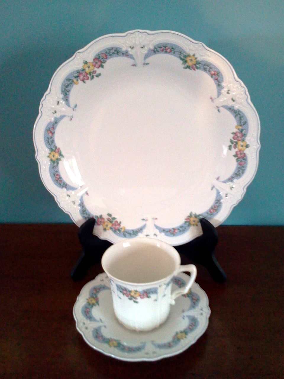 Tirschenreuth Baronesse  Marielle  Fine Porcelain China One 3 piece  Setting