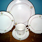 Liseburg  by Viletta China Co.  5 Piece Setting Fine China